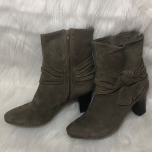 VAN ELi Suede Taupe Booties with Bow
